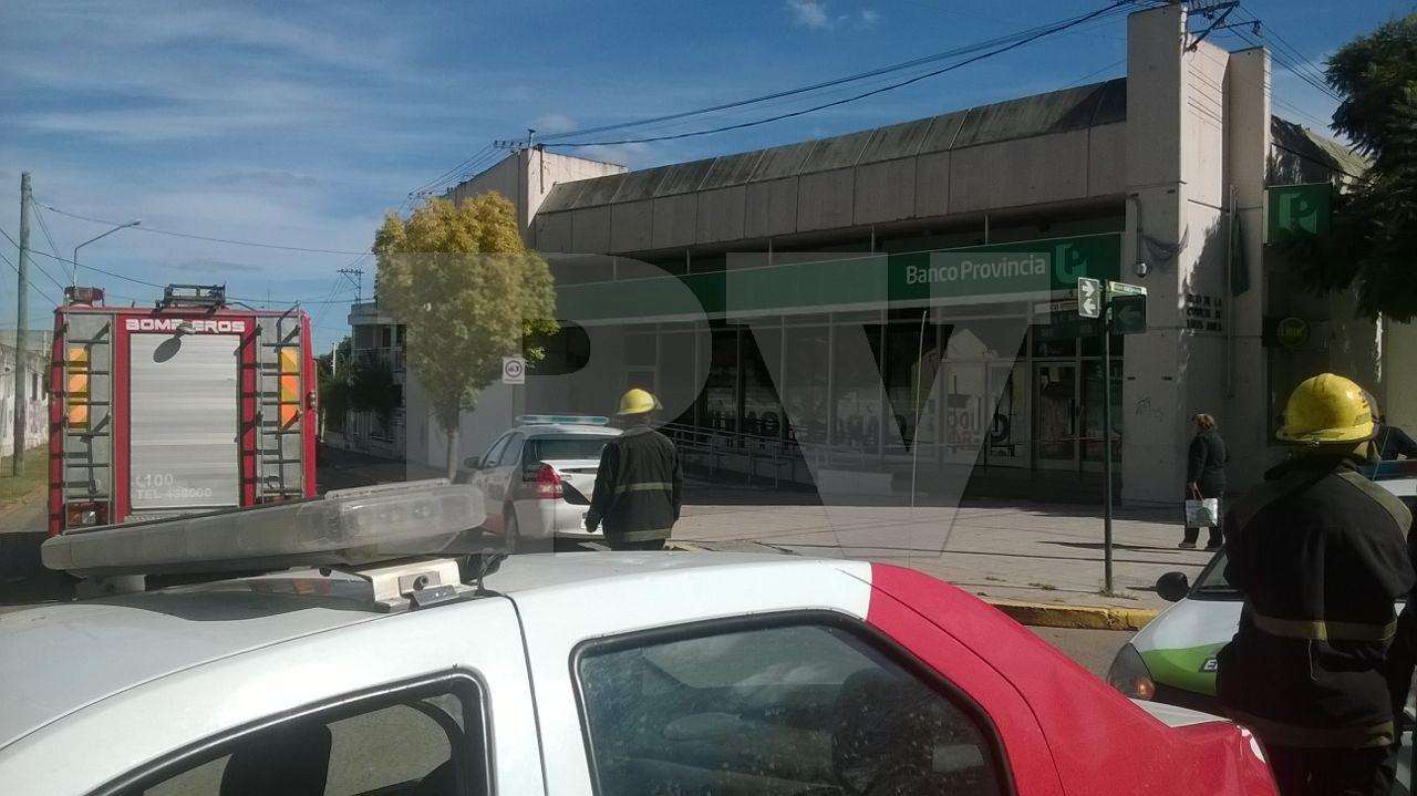 Locales evacuaron las tres sucursales del banco provincia for Sucursales provincia