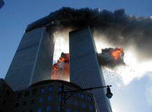 EL RECUERDO DE 11-S          FRANC CARRERAS     Las Torres Gemelas de Nueva York arden tras los atentados terroristas del 11 de septiembre de 2001.