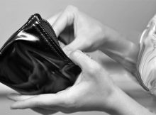 mujer-billetera