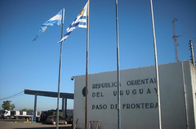 PASO-FRONTERA-E