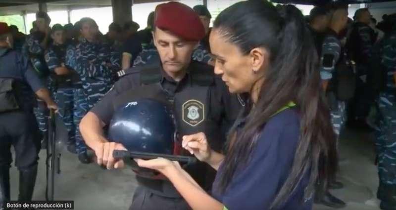 20190416080009-malestar-entre-los-policias-de-la-provincia-porque-comienzan-a-fichar-como-si-fueran-oficinistas